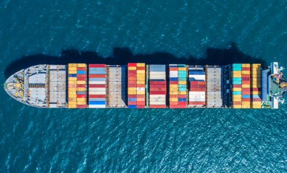 Cómo el agente de aduanas facilita el envío de mercancías a las empresas