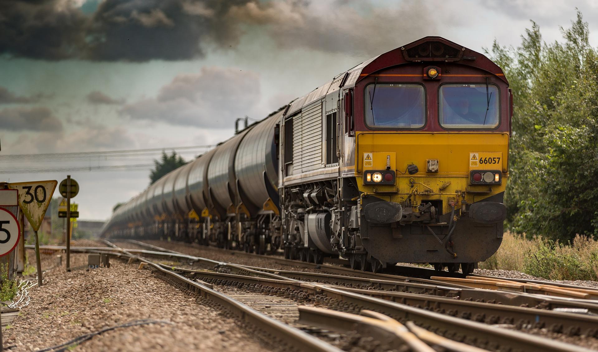 railtrack-1867076_1920