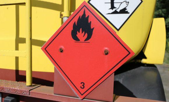 Transporte de mercancías peligrosas: claves a tener en cuenta